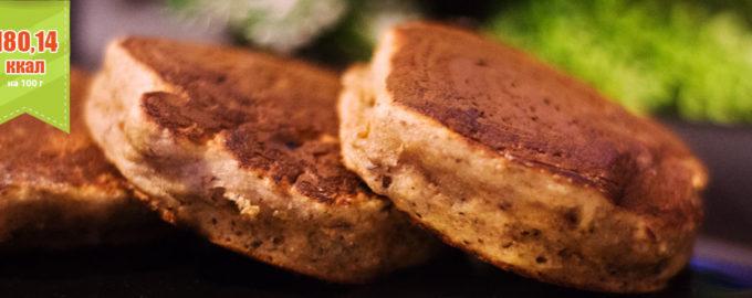 ПП оладьи на кефире с цельнозерновой мукой и финиками (рецепт)